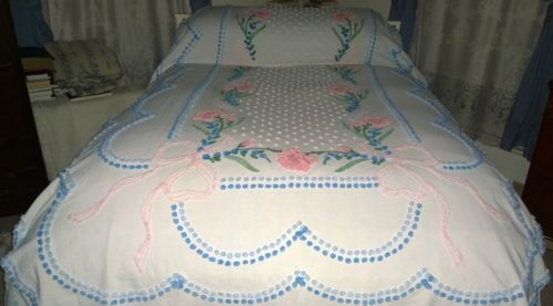 Vintage cottage chenille bedspread.