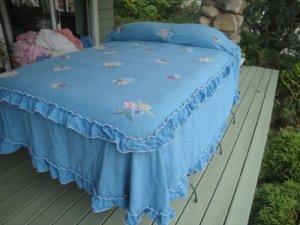 Cabin Crafts vintage chenille bedspread.