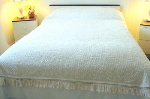 White Vintage Chenille Bedspread